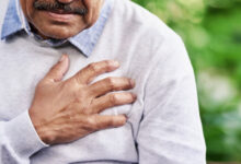 Photo of 7 SYMPTOMS OF HEART ATTACK PEOPLE OFTEN IGNORE (Must Read)